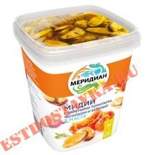 """Мидии """"Меридиан"""" с вялеными томатами чесноком и зеленью в масле 415г"""
